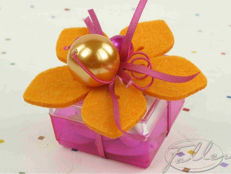 Boite à dragées carrée & fleur orange