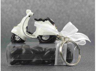 Scooter porte-clés de mariage avec dragées