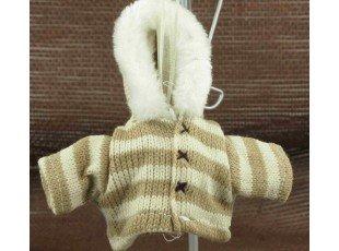 Manteau hivernal écru avec dragées baptême