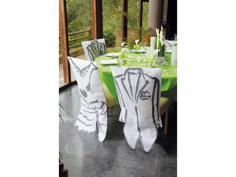 Housse de chaise blanc avec robe de mariee