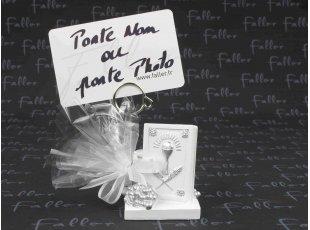 Bible et calice porte photo avec pochon de dragées