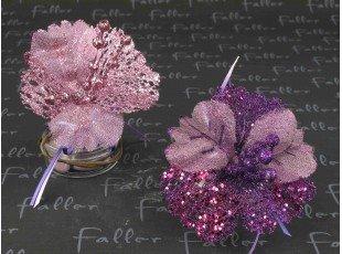 Boite avec fleurs paillettées lilas mauve et dragées