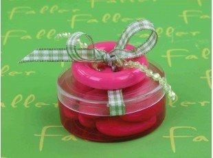 Boite à dragées fuchsia bouton rose et déco anis