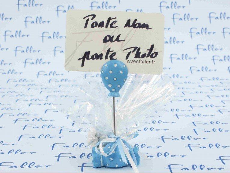 Pochon dragées baptême avec porte-photo bonbon bleu
