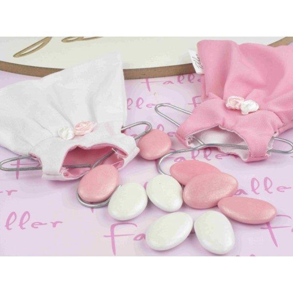drag es bapt me robe rose blanche fleur rose. Black Bedroom Furniture Sets. Home Design Ideas