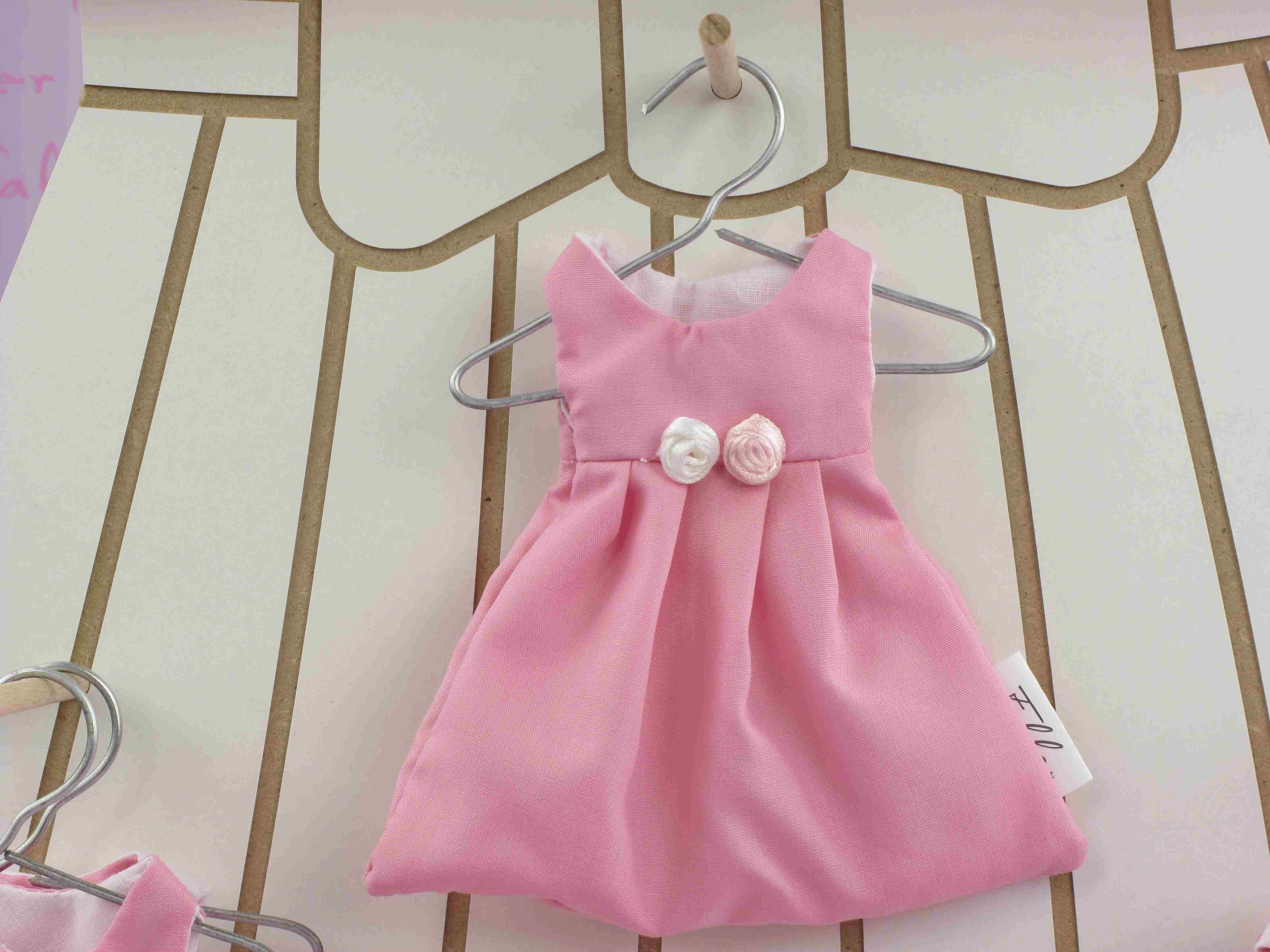 1bd024f8622cb Dragées robe - Dragées baptême fille dans petite robe