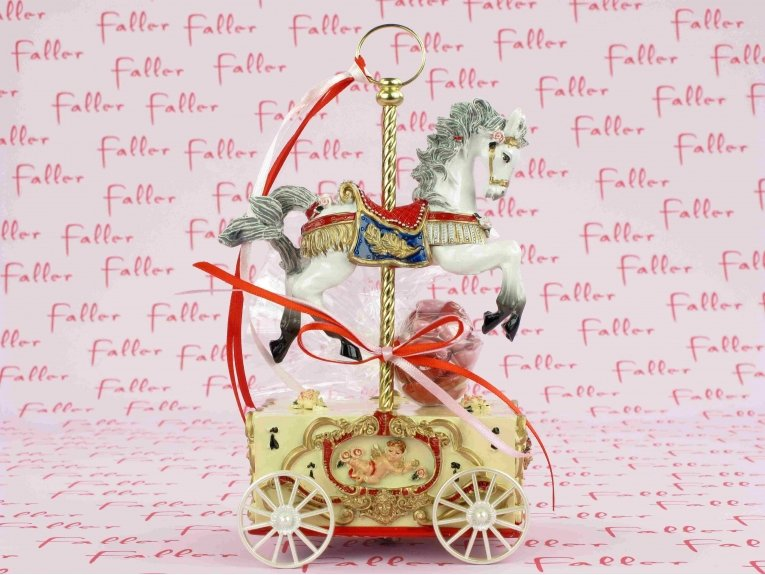 Manège cheval musical avec dragées baptême fille