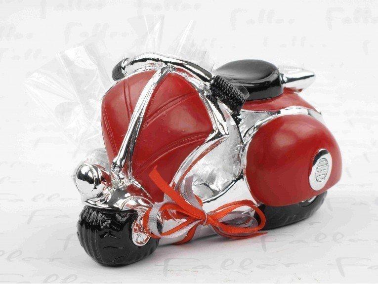 Tirelire vespa rouge avec dragées de mariage