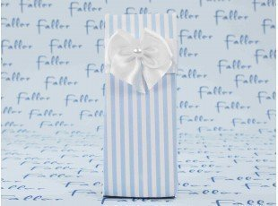 Boite en carton à rayures en bleu et blanc