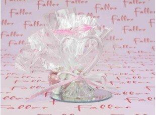 Coeur en verre sur socle miroir et décoré d'un papillon