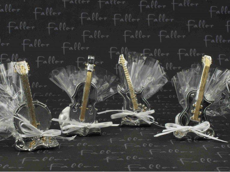 Instruments à cordes avec dragées mariage