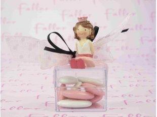 Figurine princesse en résine sur boite carrée à dragées