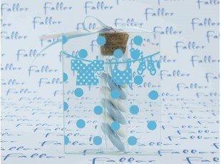 Dragées garçon dans éprouvette avec déco vêtements bleus