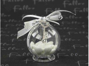 Pendentif clé coeur sur boule de dragées mariage
