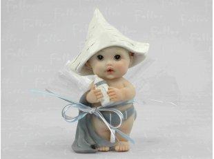 Grand bébé garçon avec chapeau avec dragées naissance