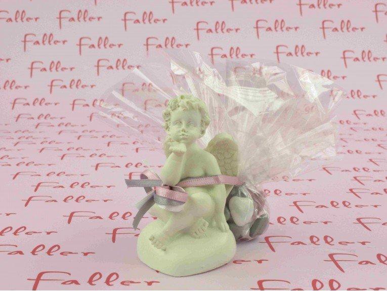 Ange blanc casse sur coeur avec dragees bapteme fille