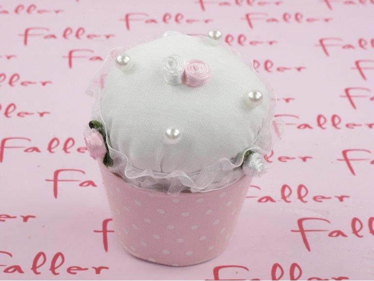 Cupcake de baptême fille rose avec perles et fleurs