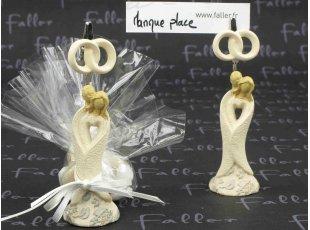 Porte nom figurines mariés écrus et dragées mariage
