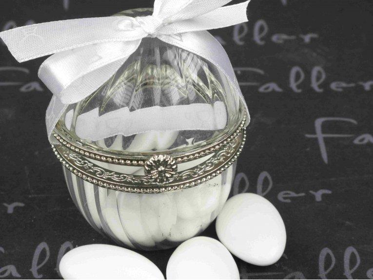 Contenant style Oeuf de Fabergé avec dragées de communion
